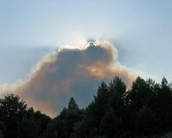 Дым от пожара в Барахмановском лесничестве НП Смольный